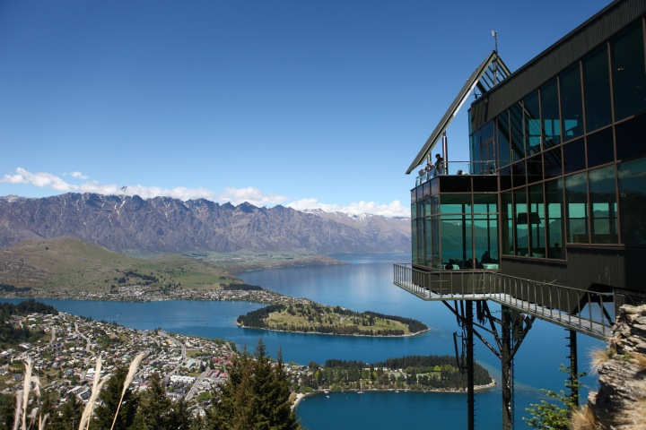 9 Reasons to Visit New Zealand Now!